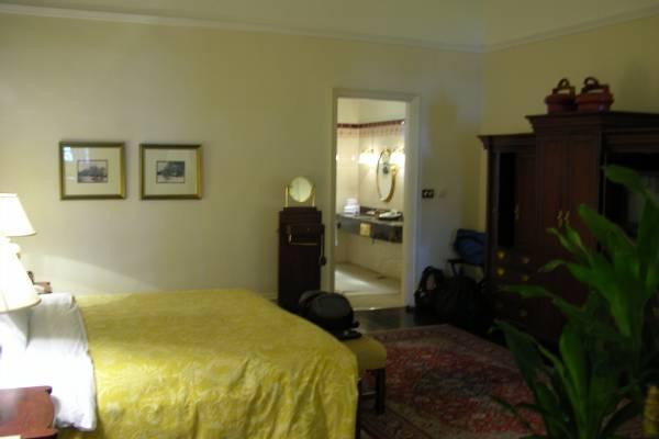 Raffles suite